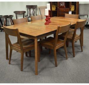 Monterey Leg Table And Chairs