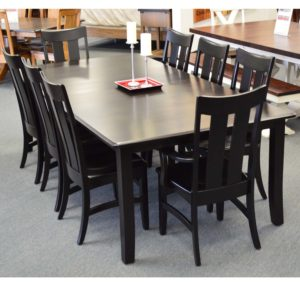 Ow Shaker Leg Table And Chairs