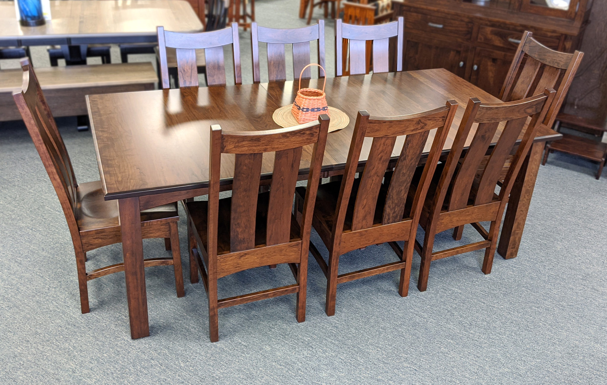 3in Shaker Leg Table With Arched Skirts 2100 X 1333