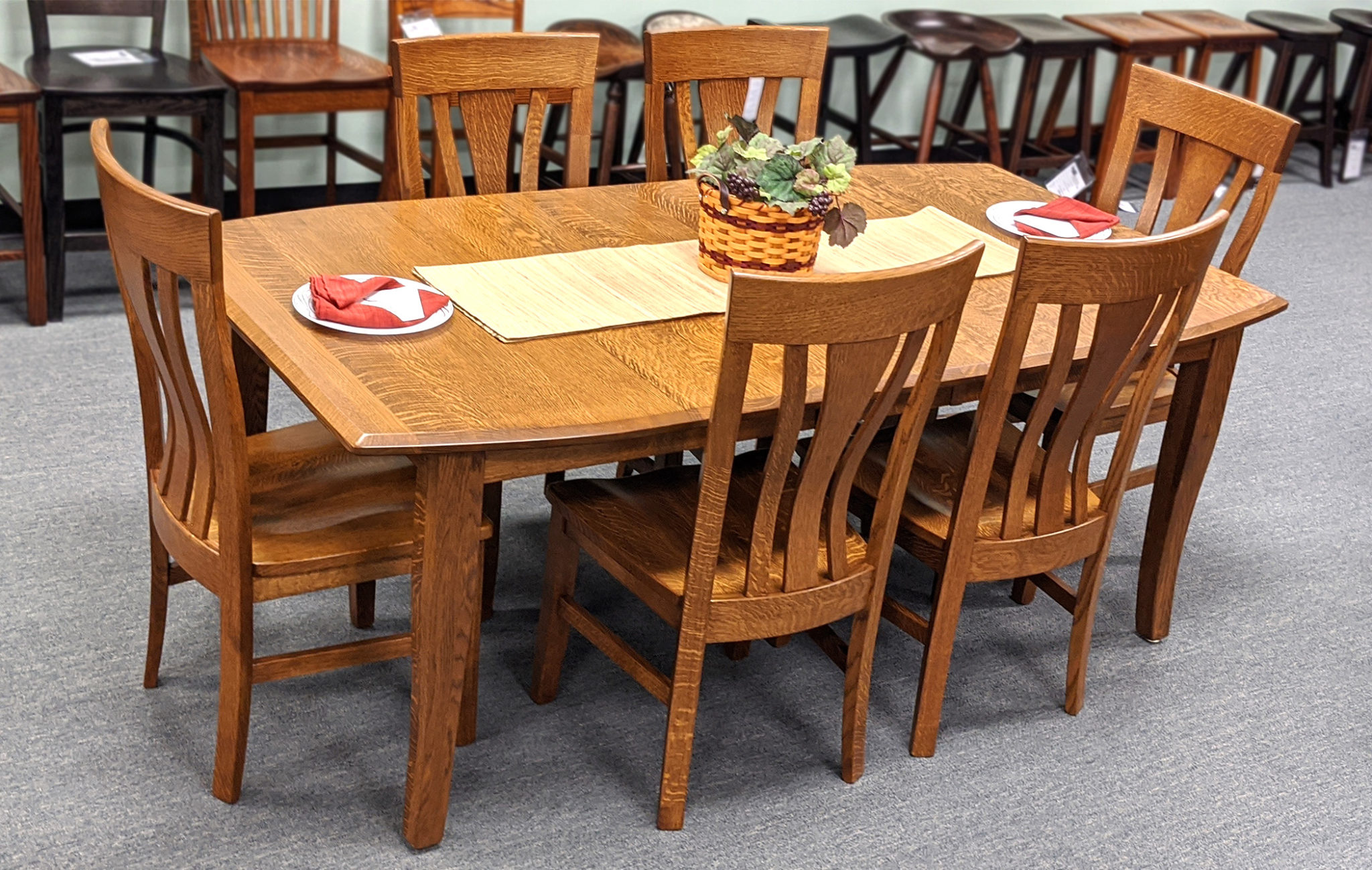 3in Shaker Leg Table With Bow Top 2100 X 1333